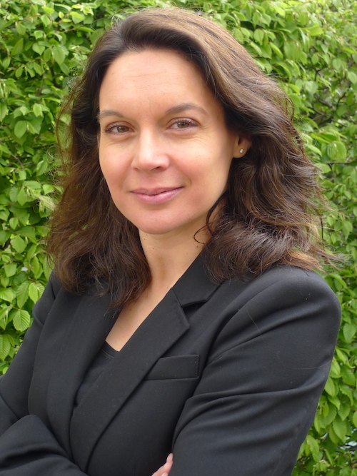 Dr. Carmen Flum